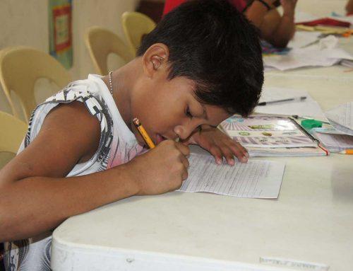 Unterricht in den Armenvierteln Manilas