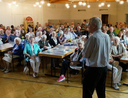 Pater Konrad Werder SDS bringt die Philippinen nach Stuttgart